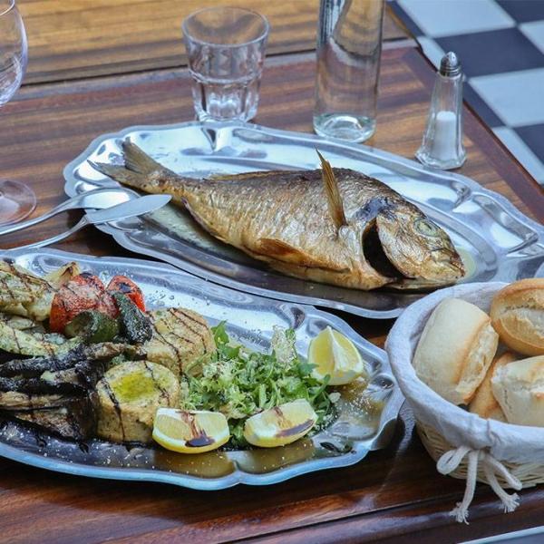 Le Restaurant - L'avant Cour - Marseille